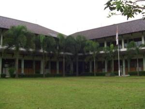 bacroun-sekolah-2