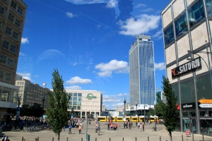 Alexanderplatz, surga shopping di Berlin