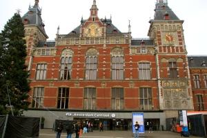 Amsterdam Centraal, stasiun utama Amsterdam